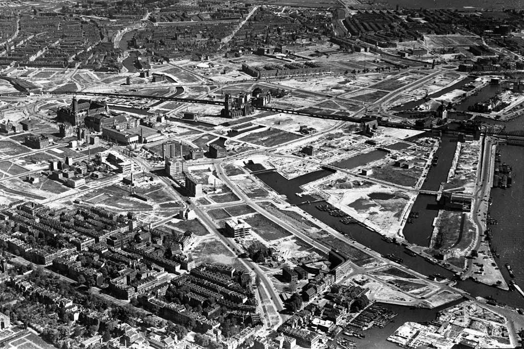Vista aérea de Róterdam en 1946, cuando todo estaba por construir © Aviodrome