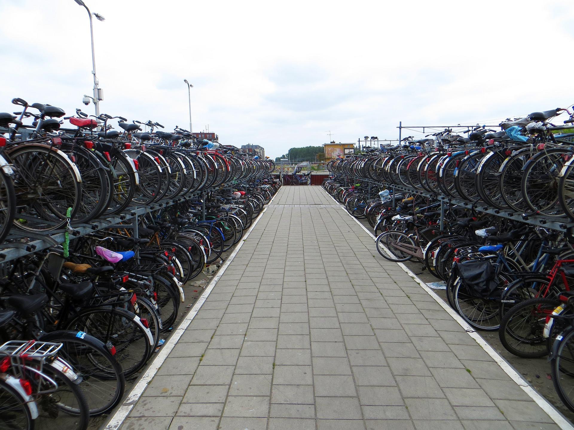 Aparcamiento de bicicletas en Delft. Foto: Pixabay